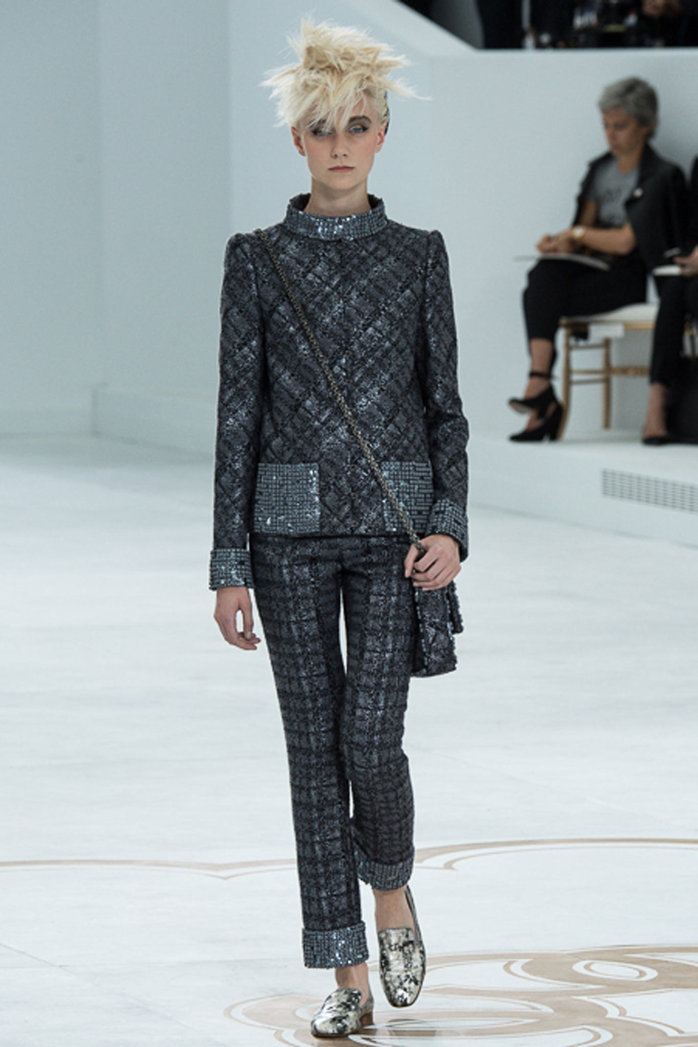 chanel-couture-fall-2014-01_105808997048