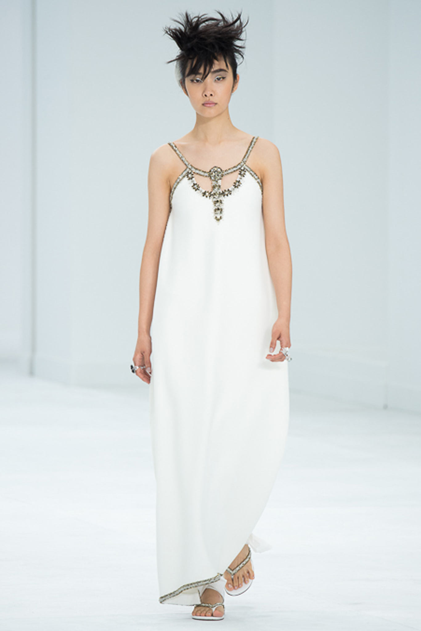 chanel-couture-fall-2014-14_105829816577