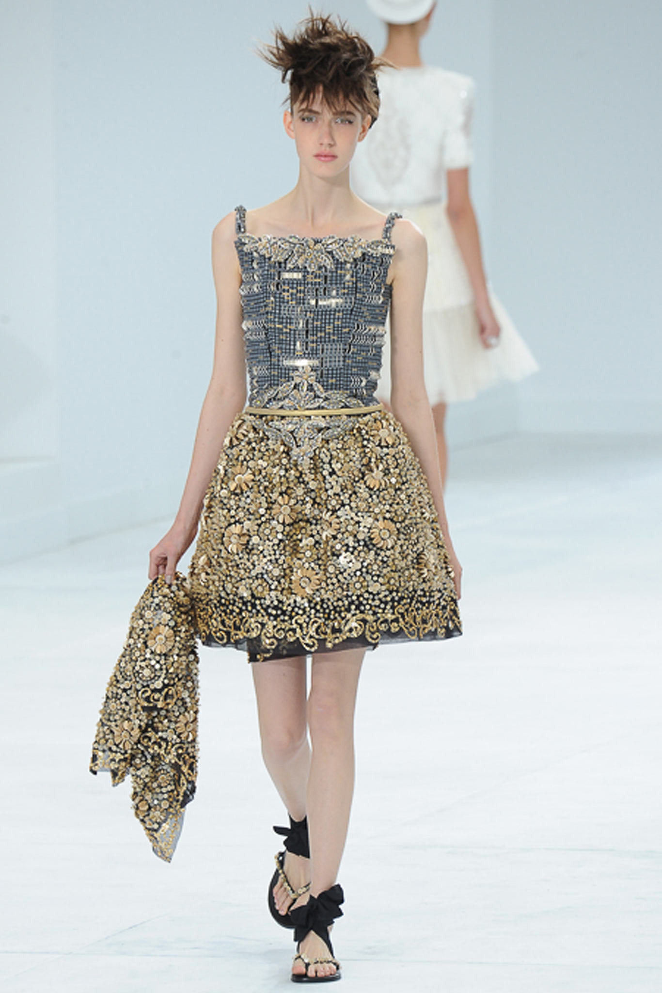 chanel-couture-fall-2014-28_105851797884