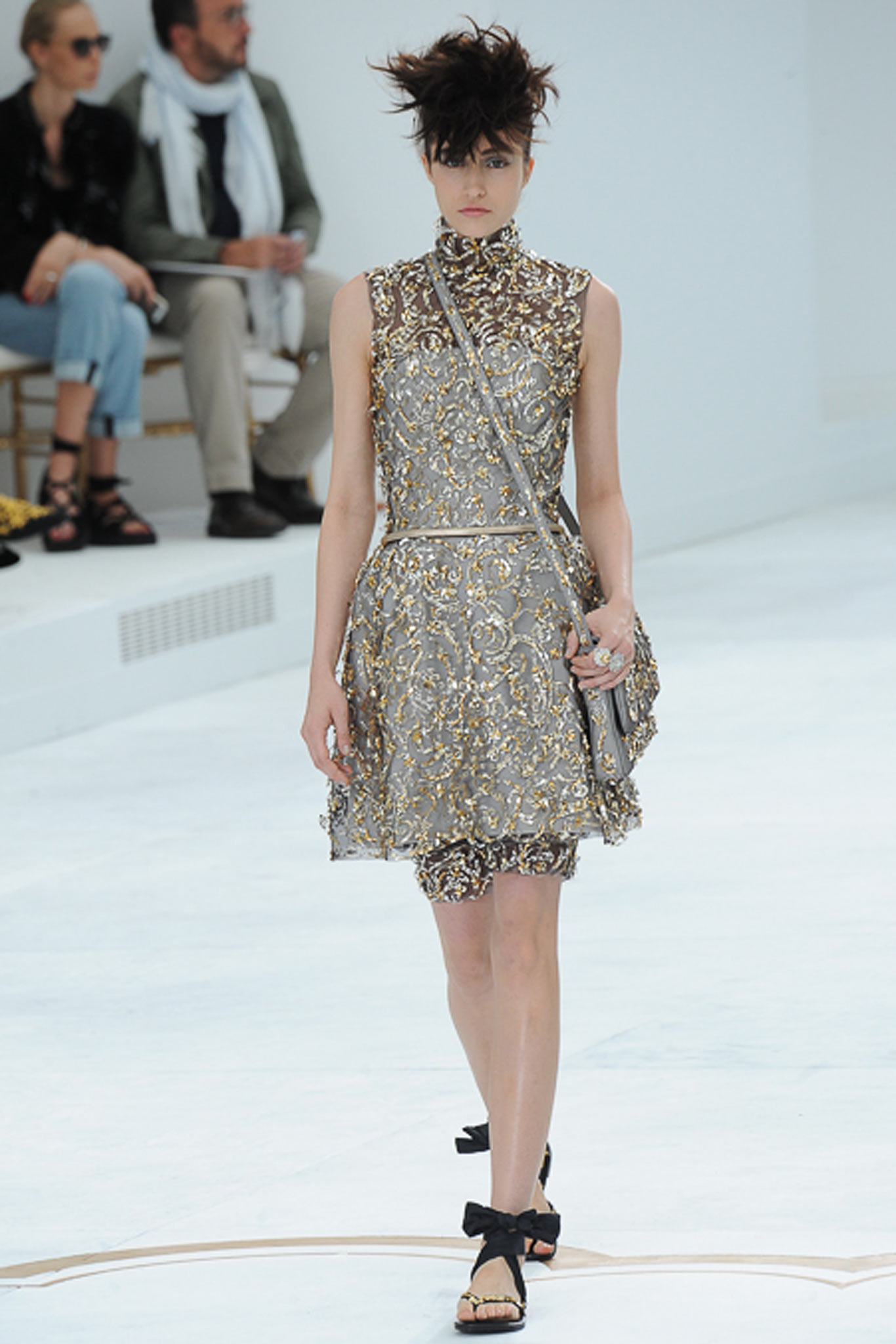 chanel-couture-fall-2014-29_105852156944