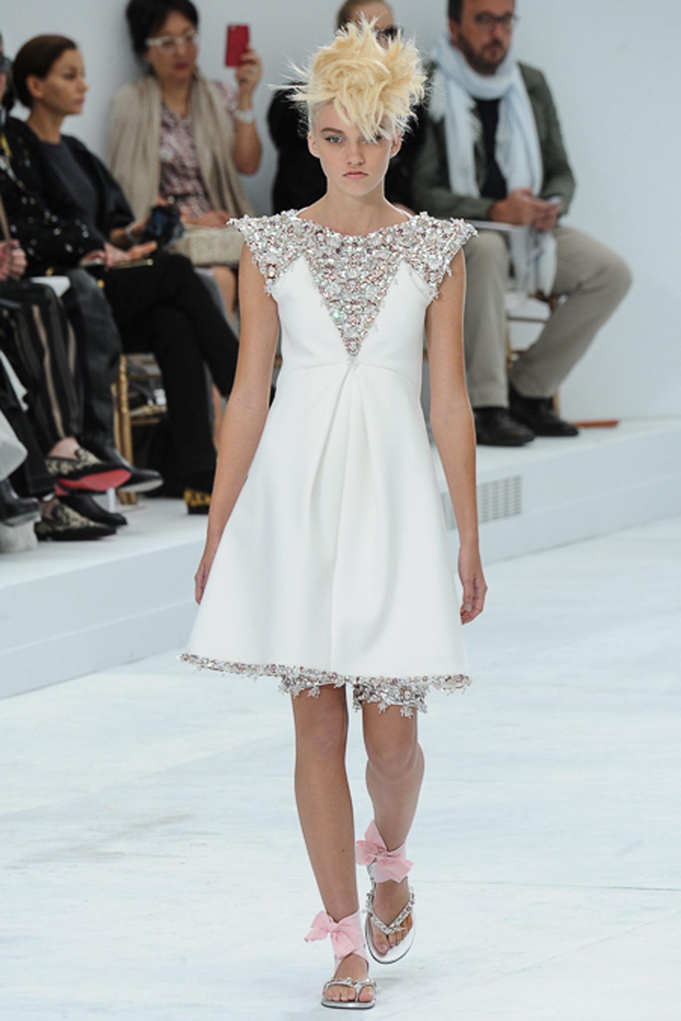 chanel-couture-fall-2014-30_105854587529