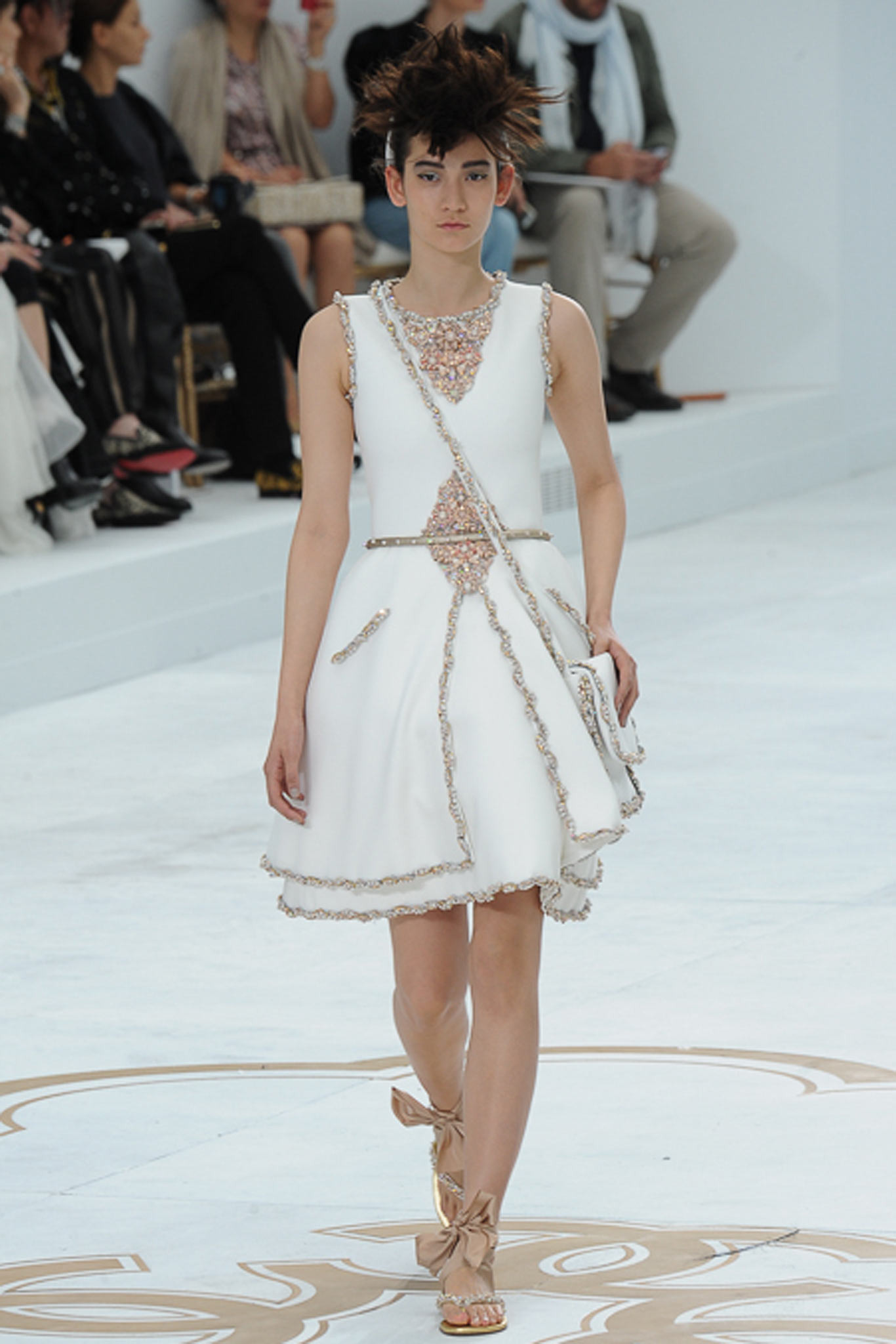 chanel-couture-fall-2014-31_105855578686