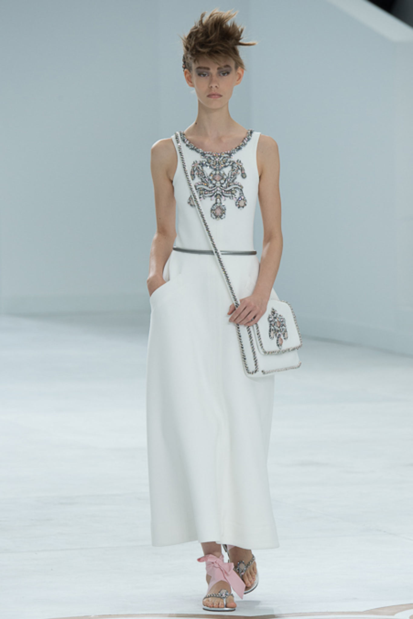 chanel-couture-fall-2014-54_105926629247
