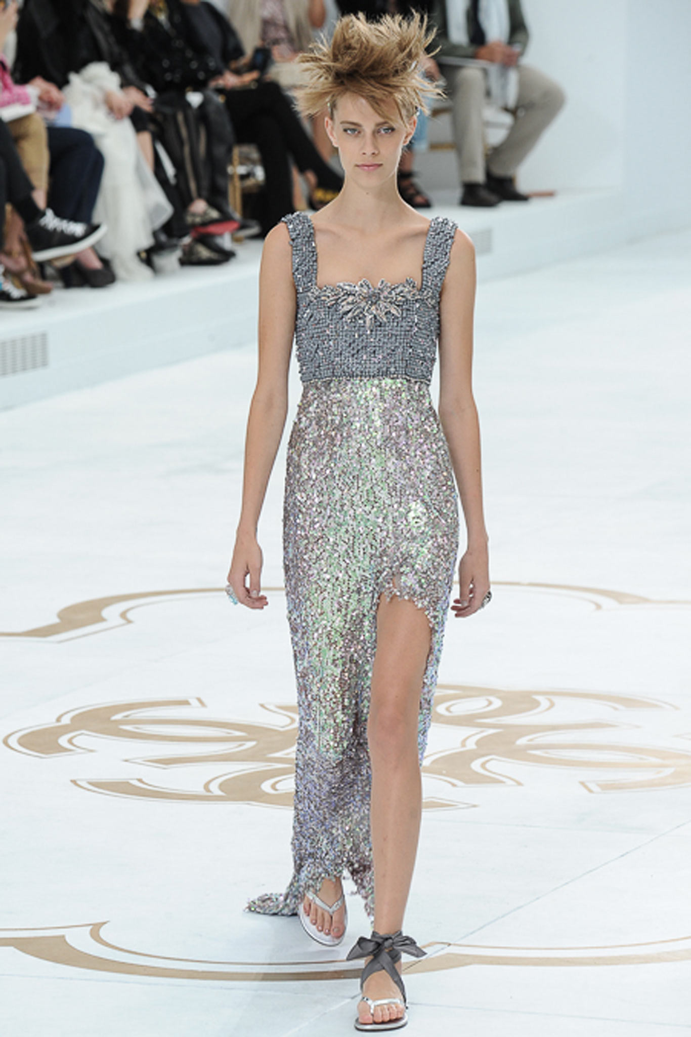 chanel-couture-fall-2014-67_10594423517