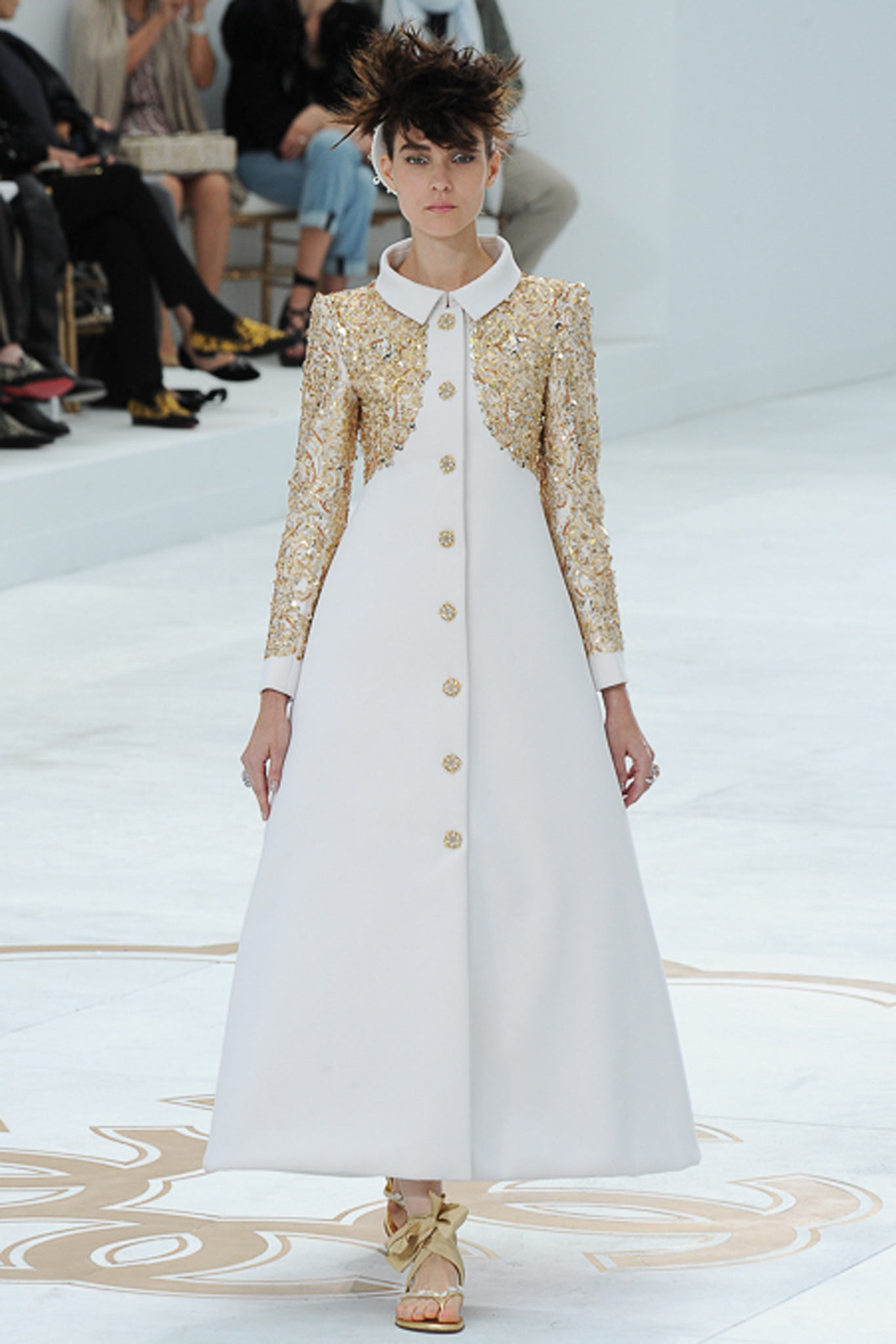 chanel-couture-fall-2014-70_105948576388