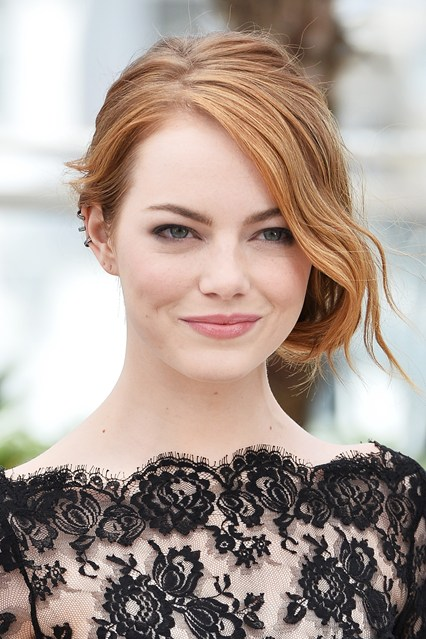 emma-stone-beauty-vogue-15May15-Getty_b_426x639