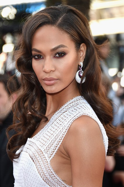 joan-smalls-beauty-vogue-21may15-getty_b_426x639