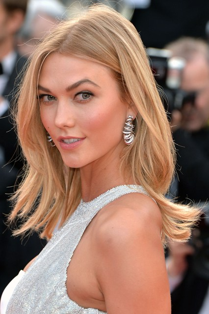 Karlie-Kloss-beauty-Vogue-14may15-Getty_b_426x639