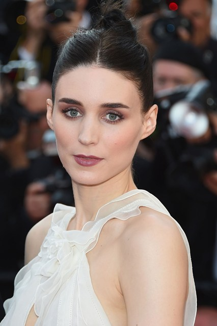 Rooney-Mara-beauty-vogue-18may15-getty_b_426x639