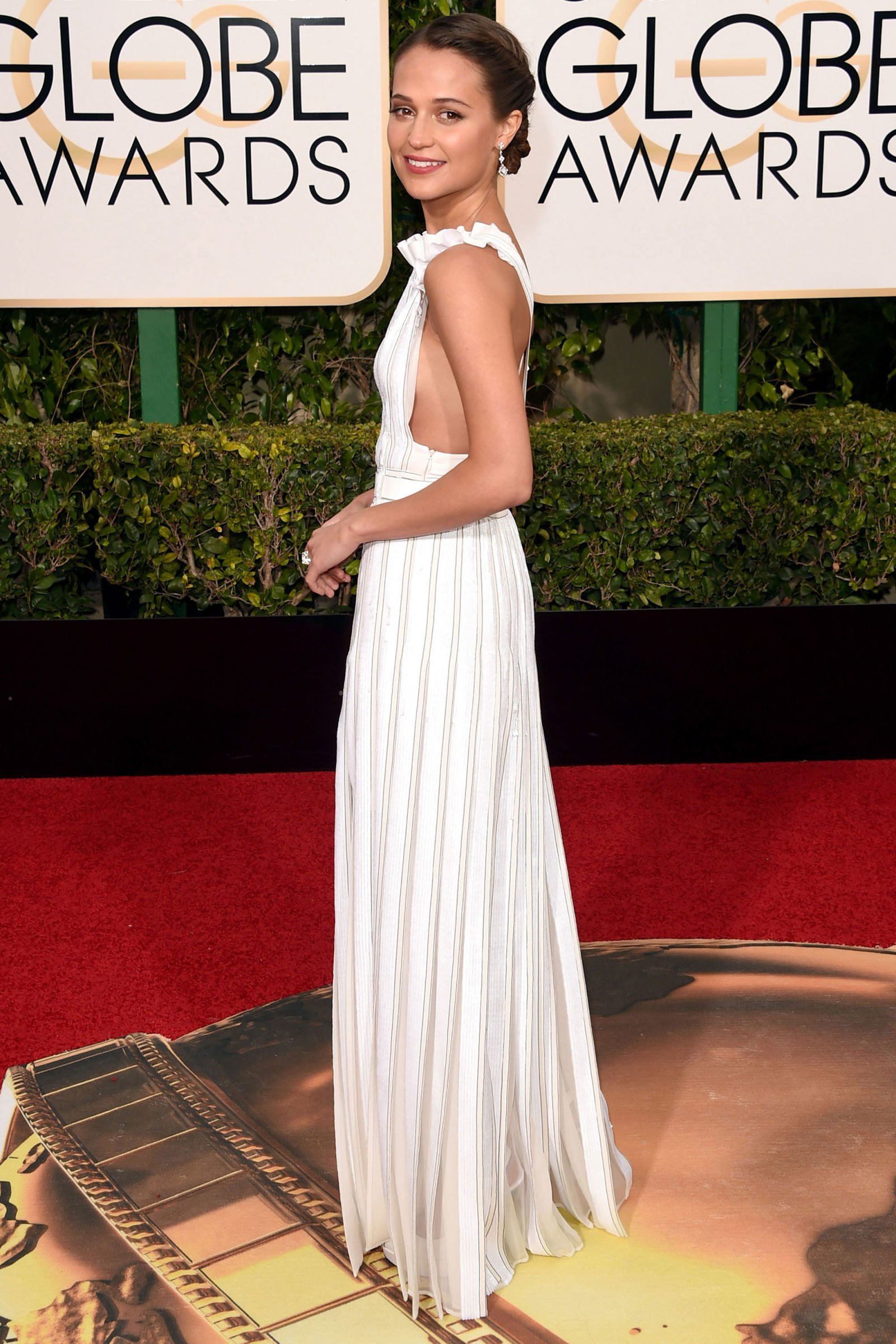 vm-best-red-carpet-looks-of-the-year-alicia-vikander